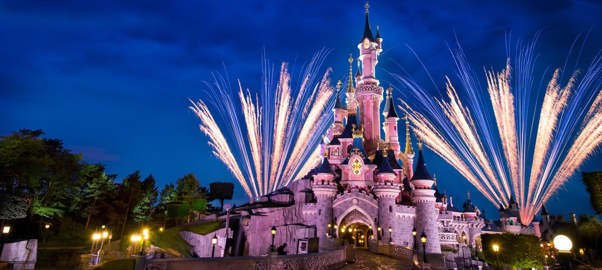 cropped-castle-nighttime1.jpg