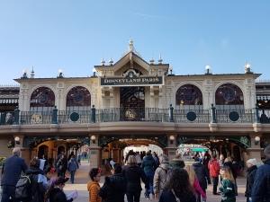 Disneyland Maistreet Station