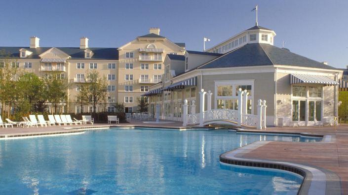 2554032_2050jan01_newport-bay-club-outside-swimming-pool_16-9