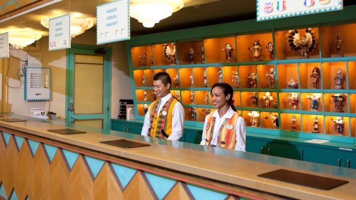 n010147_2017oct01_santa-fe-hotel-lobby_16-9