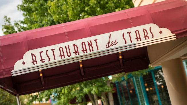 n018335_2050jan01_restaurant-des-stars_16-9