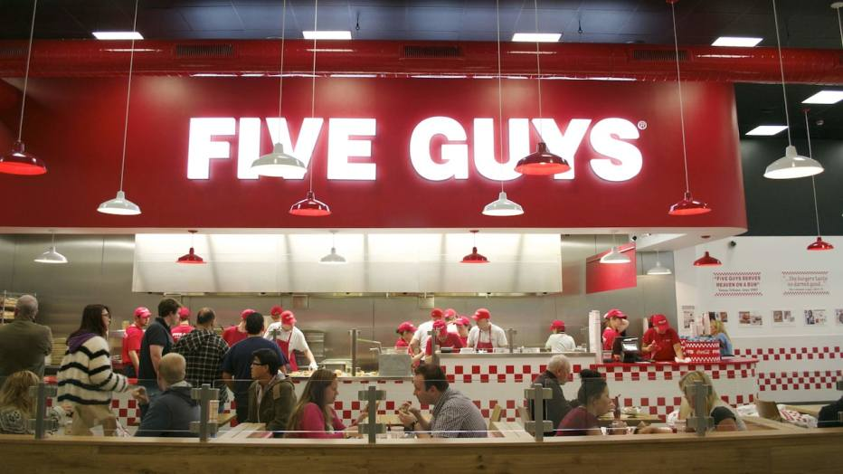 n025446_2020dec31_fiveguys-restaurant_16-9