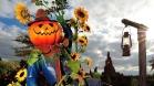 n015788_2020oct07_halloween-pumpkin-man-btm_16-9