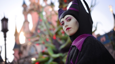n021694_2022sep30_world_halloween-maleficient_16-9